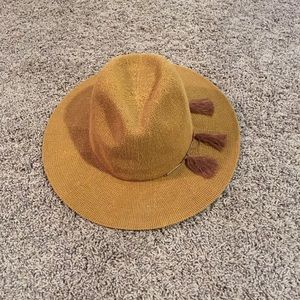 Previously loved Vince Camuto fringe fall hat
